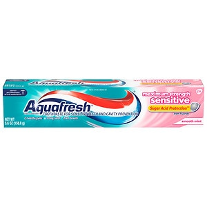 Aquafresh Triple Protection Maximum Strength Sensitive + Gentle Whitening Toothpaste, Smooth Mint- 5.6 oz