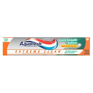 Aquafresh Extreme Clean Pure Breath Action Fluoride Toothpaste, Fresh Mint- 5.6 oz
